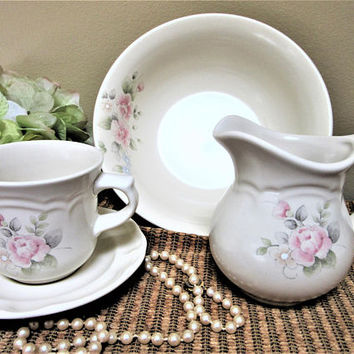 Pfaltzgraff tea rose Creamer Cup Saucer Vegetable Serving Bowl Stoneware 4 piece set ksc