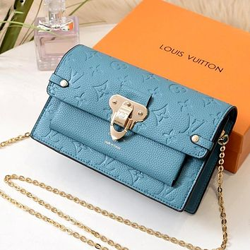 LV 2019 new classic presbyopic embossed chain bag shoulder bag Blue