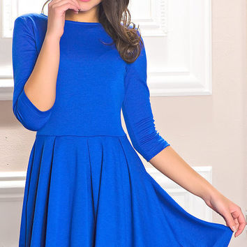 beautiful jersey dress with wide skirt to the knee