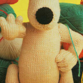Gromit Knitting Pattern and Shaun the Sheep Knitting Pattern  PDF instant download.  from Wallace and Gromit. Gromit is 25cm and Shaun 20cm