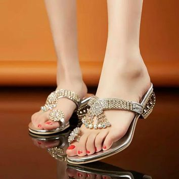 New 2018 Women sandals high quality fashion crystal sandals women slippers med heels 4.5 cm wedge women summer shoes size 34-41