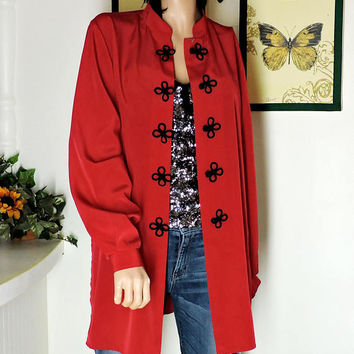 Red kimono shirt / size S / M / vintage 80s long Asian blouse / red oriental frog closure jacket / loose fit shirt / SunnyBohoVintage