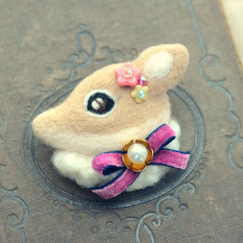 Handmade jeweled deer brooch, needle felt deer brooch, whimsical animal brooch, children jewelry, lolita accessories, gift under 25