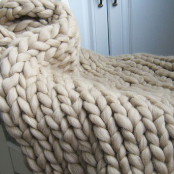 Light beige knit blanket, merino wool blanket, hand knit throw blanket, huge giant knit blanket, 18 micron super soft chunky blanket