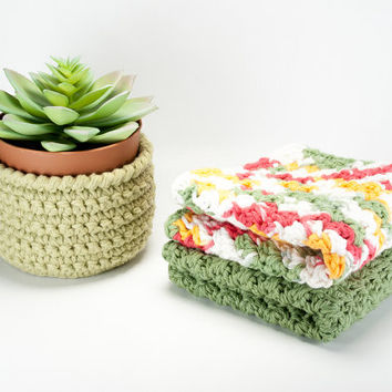 Cotton crochet dishcloths, set of 2 dish cloths, handmade kitchen linens, crochet washcloths, summer housewares, gifts for mom, eco friendly