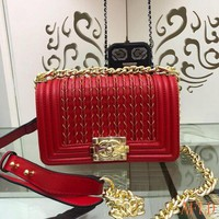 691 Fashion Embroidered Chain Flap Bag Leather A67086 Baguette 14.5-20-8cm
