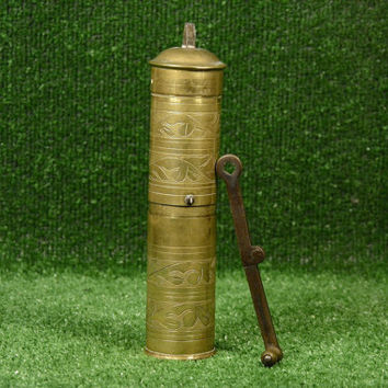 Vintage Coffee Grinder, Antique Brass Expresso Spice Grinder Steel Blade, Vintage Pepper mill Vintage Hand mill, Salt Pepper grinder