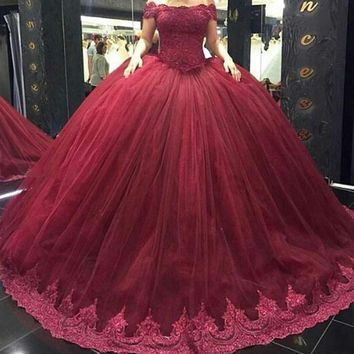 Stunning Puffy Ball Gown Long Arabic Evening Gowns Boat Neck Top Lace Floor Length Mermaid Women Formal Evening Dresses 2017