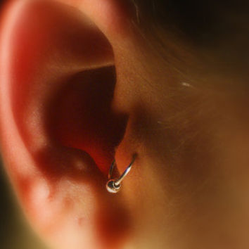 Tragus Ear Cuff with ball (silver) - No Piercing Required