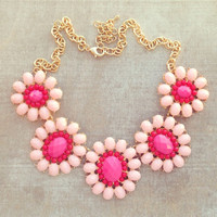 PINK DAISIES NECKLACE
