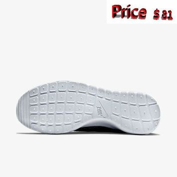 white casual shoes Women Nike Flyknit Roshe Run Wolf Grey Pure Platinum White Light Charcoal 704927 002 sneaker