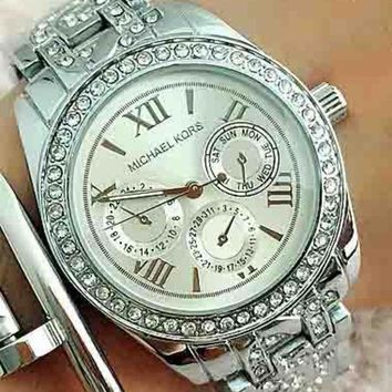 ac NOVQ2A MK Michael Kors Trendy Vintage Watch for Men and Women F-Fushida-8899 Silver