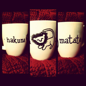 "Disney's The Lion King ""hakuna matata"" Hand-Designed Mug"