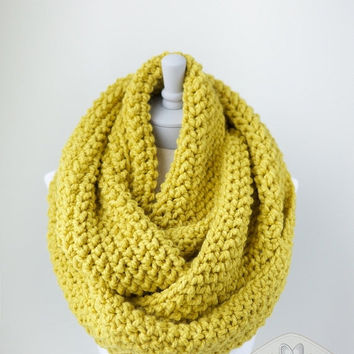 AUTUMN SALE - Chunky infinity scarf, oversized infinity scarf, crochet infinity scarf in in Citron Yellow, loop scarf, circle scarves