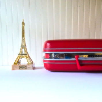 little red vintage suitcase / small suitcases /train case / wedding card holder decor / photo prop/  luggage/ samsonite / stacking