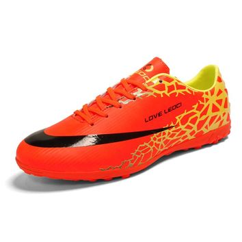 New Design Men Soccer Shoe Cleats Kids Turf Football Shoes Boy TF Hard Court Sneakers Trainers Sports Shoes