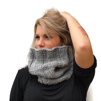 Grey scarf / Infinity cowl / women  hand knit chunky cowl / Alpaca wool cowl / Winter accessories / Ribbed Cowl / Knit unisex scarf