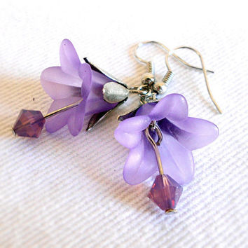 CLEMATIS Vintage Inspired Lucite Petunia Flower Earrings in Lilac & Silver by WilwarinDesigns