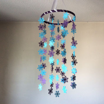 Snowflake paper mobile. Frozen! Baby Nursery mobile, Crib mobile.Boy/Girl/Teen/Tween mobile.Choose Your Colors!