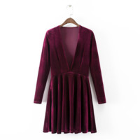 V-neck long-sleeved velvet dress in winter