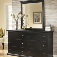 Signature Design by Ashley Maribel 6 Drawer Dresser