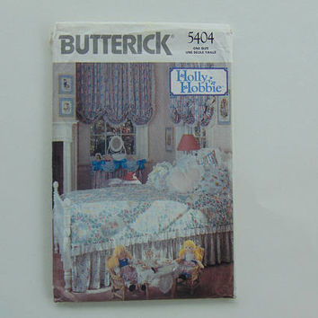 Butterick 5404 Holly Hobbie Bedroom Set Comforter, Ruffle Shade Sewing Pattern UNCUT