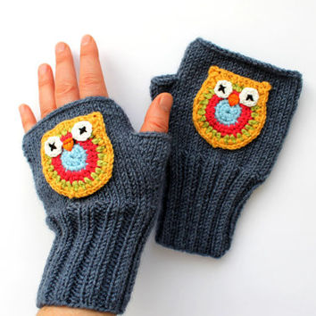 Owl Hand Knit / Fingerless Gloves in Dark grey Blue grey / Boys And Girls / Winter Fashion