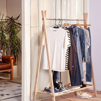 Warwick Clothing Rack | Urban Outfitters