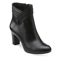 Tamryn Season in Black Leather/Black Patent - Womens Boots from Clarks