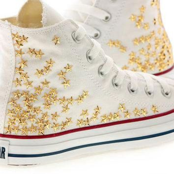 9b3e0467b694 CREYUG7 Studded White Converse Gold Star Studs with converse Whi
