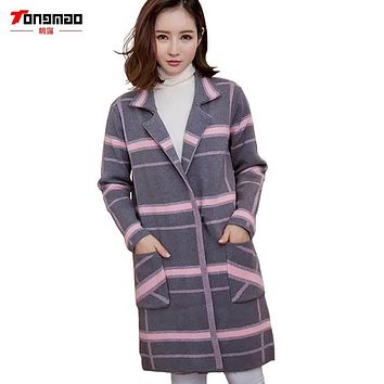 2017 New Autumn and Winter Fashion Wild Thin Long-sleeved Plaid Jacket Lapel Female Sweater Knitted Cardigan Coats Long Sections