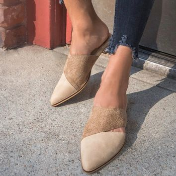 Epic | Two-Toned Pointed Business Mule