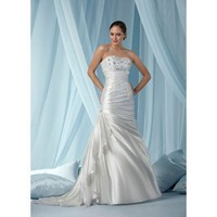 Gorgeous sleeveless trumpet / mermaid floor-length wedding dress