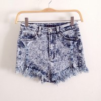 Nessa bleached highwaisted shorts