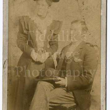 Cabinet Card Photo - Victorian Couple Frank and Florence Reed - Hellis & Sons of London England