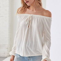 Ecote Cooper Off-The-Shoulder Top | Urban Outfitters