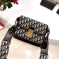 Dior 2019 new women's high quality embroidery knit canvas shoulder bag