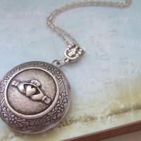 CLADDAGH, antique silver locket necklace