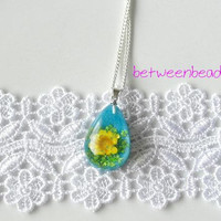 Yellow Flower Necklace, Yellow Necklace Turquoise Blue Necklace, Resin Nature Drop Dried Flower Girl Sunflower Pendant Blossom Spring