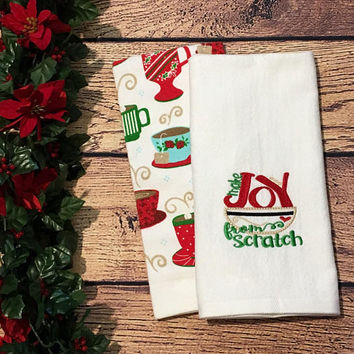 Christmas Hand Towels,Set of 2,Monogrammed Towels,Christmas Decor,Bathroom towel,Kitchen Towel,Linens,Teacher Gift,Housewarming Gift