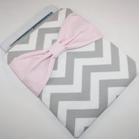 iPad Case / Sleeve - Gray & White Chevron with Pink Bow - Padded