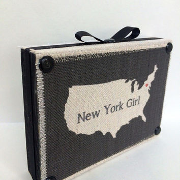 New York Girl Decorative Wooden Shelf Sitter