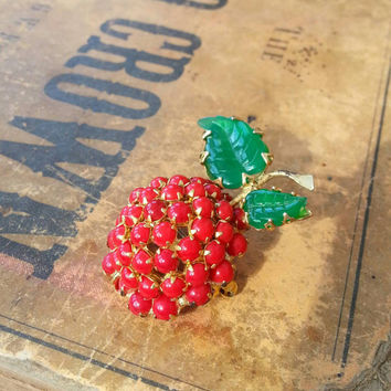 Vintage Schreiner NY Apple Cherry Brooch red prong set rhinestones gold metal green leaves glass gems fruit hollywood regency figural broach