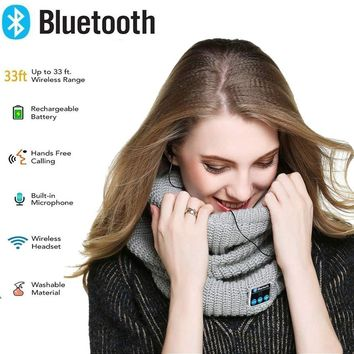 Bluetooth Headphones Scarf Wireless Bluetooth Headset Scarf Bluetooth Smart Neck Warmer Scarf with Built-in Speaker & Mic Infinity Scarf for Men Women Outdoor Sports Skiing Skating
