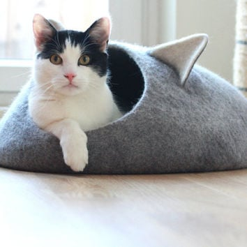 Cat bed - cat cave - cat house - eco-friendly handmade felted wool cat bed - grey and natural white - made to order