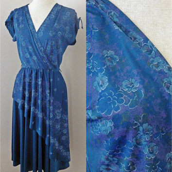 Vintage 70s Dress // Beautiful Blues // Flowy and Flirty