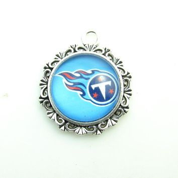 Alloy Glass 10pcs Tennessee Titans America Football Team Logo pendant Necklace For DIY Sports Fans Dangle pendant Jewelry