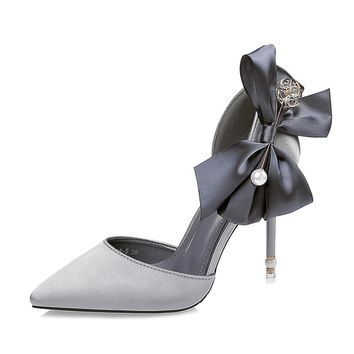Oliva pearl pointed bow heels