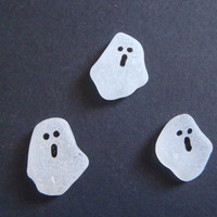 ghosts halloween white sea glass halloween decor party favors kids gothic wedding horror spooky creepy black white jewelry lasoffittadiste