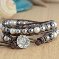 Grey and white pearl bracelet. Bohemian shabby chic style jewelry
